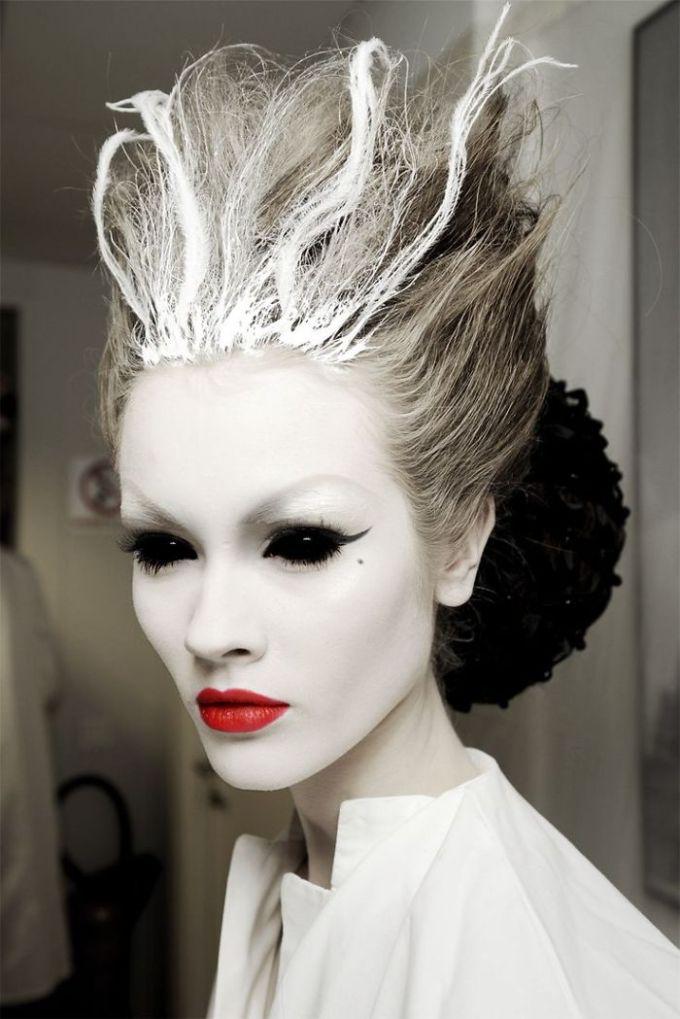 creative-halloween-make-up-ideas-56__700